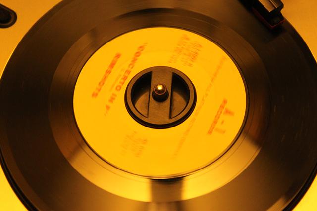 us_vinyl_buying_2010-10
