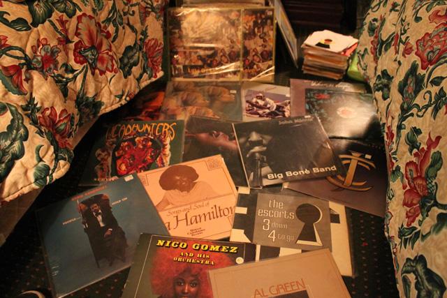 us_vinyl_buying_2010-30